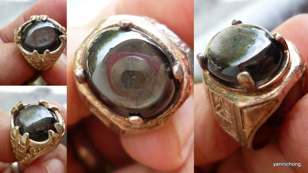 BLACK STAR SAPPHIRE WITH RING