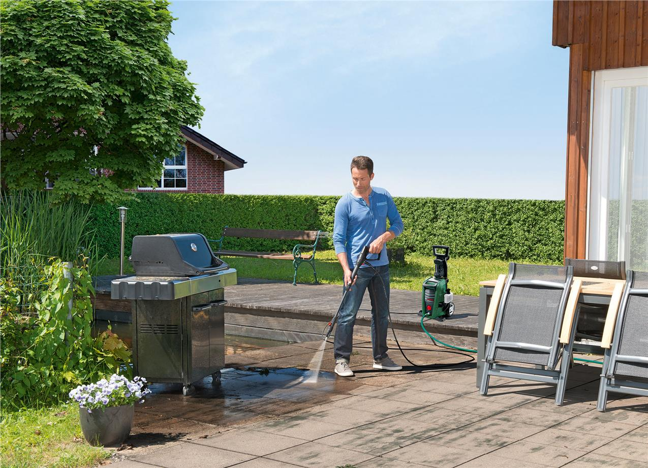 Bosch Universal Aquatak 125Bar High Pressure Washer