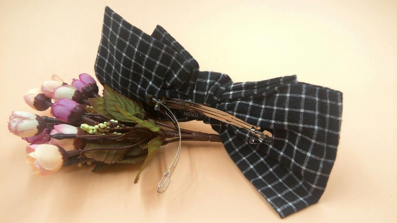 Bowknot Chequered Pattern Hair Clip