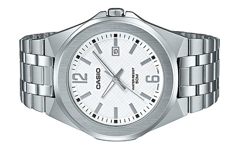 Casio Men Analog Stainless Steel Date Watch MTP-E158D-7AVDF