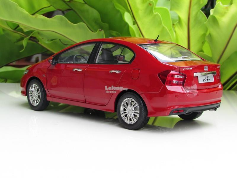 China 1/18 Diecast Car Model Honda City (2012 ) RED