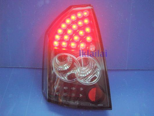 CHRYSLER 300C V6 LED Tail Lamp Black/Red Housing