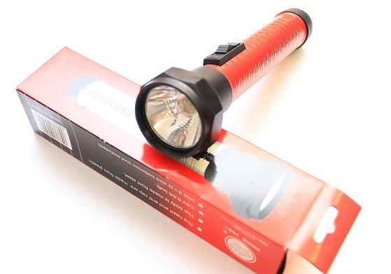 CLEARANCE!!!! Battery Flashlight