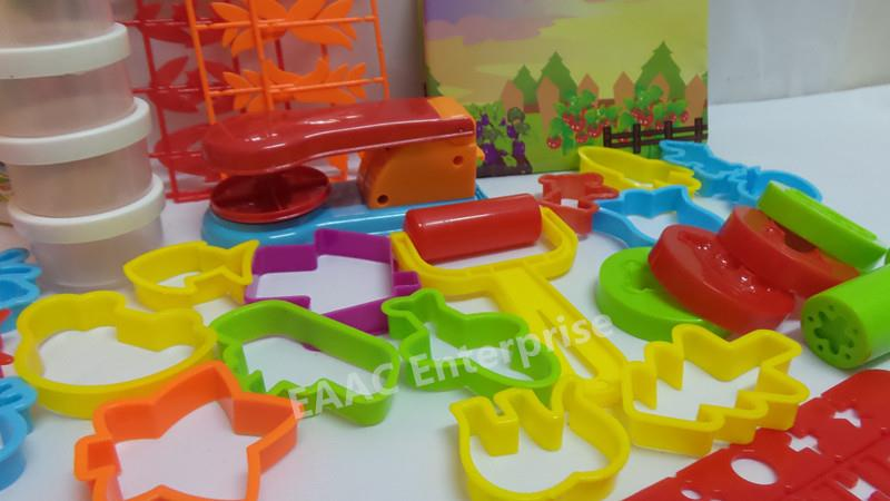 CLEARANCE! Kid's Play Doh Dough Plasticine Farm Animal MOULD ONLY