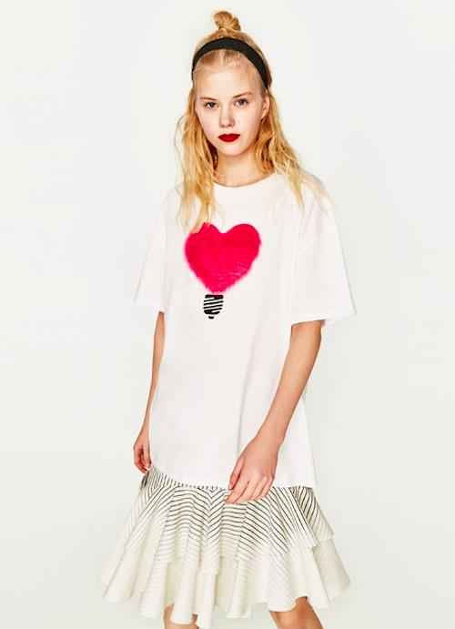 [CM712129] Love Shape Embroidery T-Shirt White