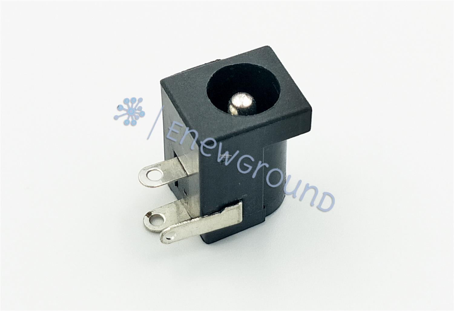 DC power connector (2.1 mm DC jack, female)