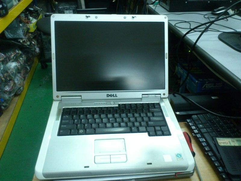 Dell INSPIRON 1501 AMD SEMPROM Notebook 280513