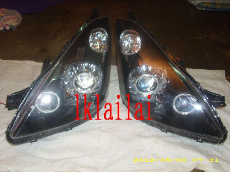 DEPO Toyota WISH '03 Black/WHITE Housing CCFL Projector Head Lamp