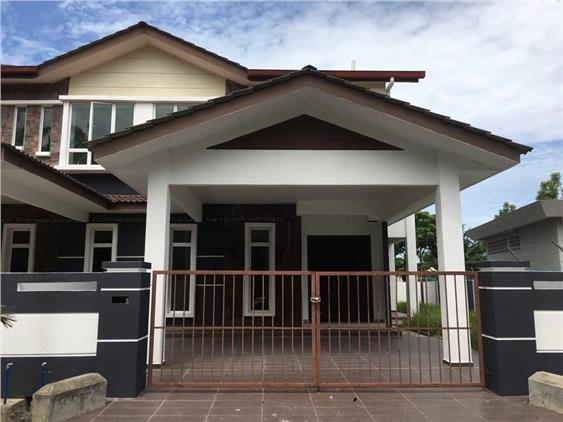 Double Storey House End Lot At Taman Semabok Jaya Melaka