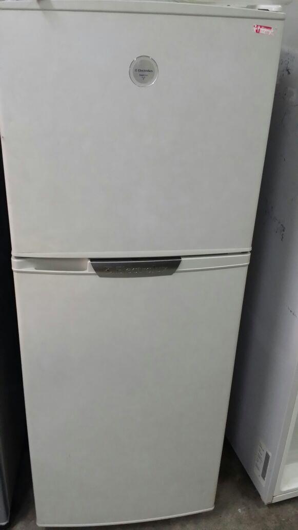 electrolux freezer electrolux freezer fridge 2 doors ice box peti sejuk ais
