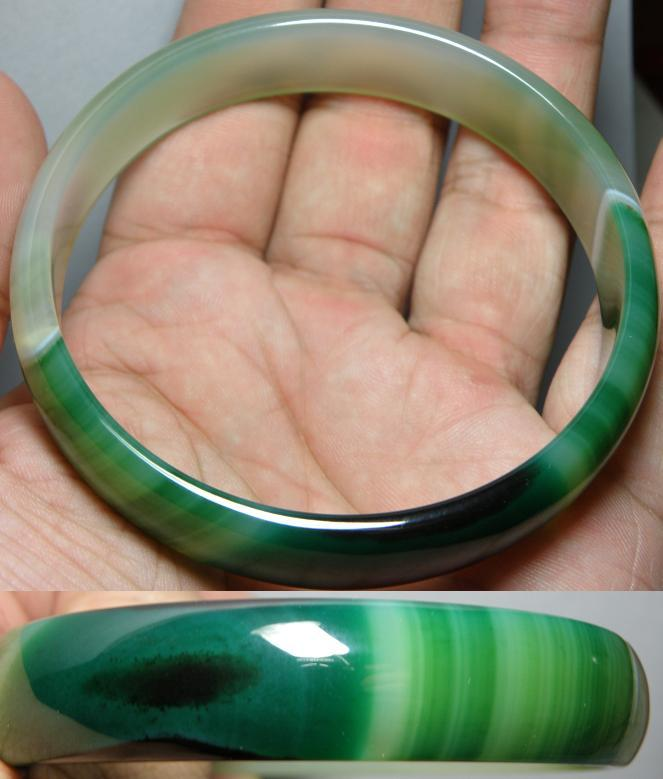 Elegance wave patent green colour Agate bangle - 39.06g