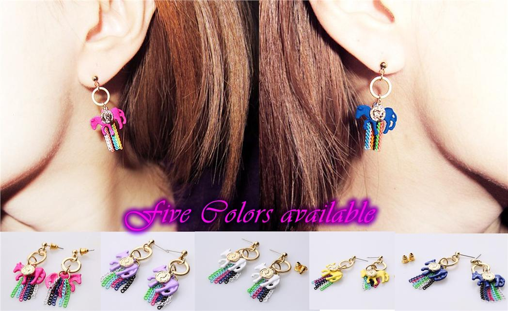 Fashion earrings with Horse