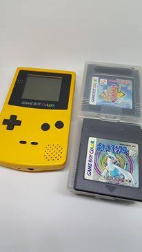 Gameboy Colors Yellow Free 8 Game Tapes