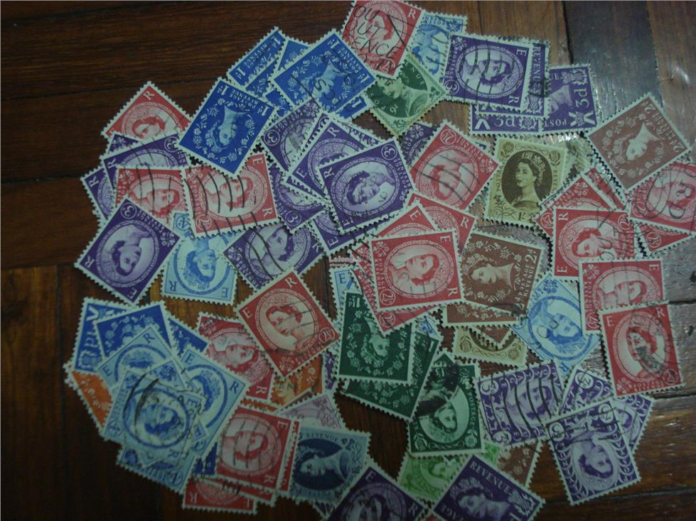 GB UK Great Britain 100+ Old Stamps -