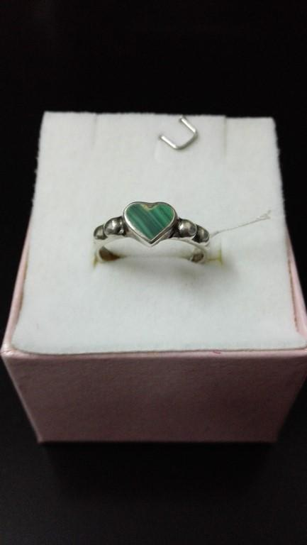 Green Love shape ring (FREE SHIPPING)-only size 13
