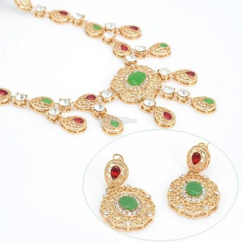 Green Rhinestone Pendant & Necklace Jewelry Set