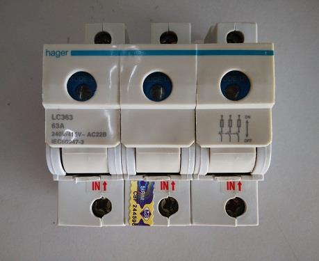 hager 63a main switch fuse cpeelectrical 1602 18 cpeelectrical@2 hager 63a main switch fuse (end 2 17 2019 11 15 am) changing a fuse in a hager fuse box at alyssarenee.co