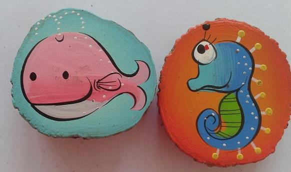 Hand Painted Natural Wood Slice Magnets G (5 pieces)