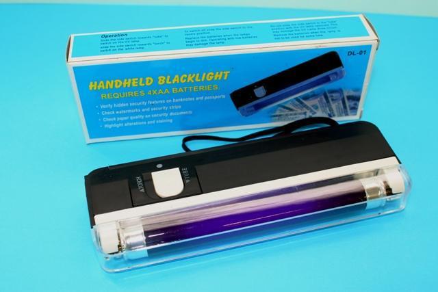 Handheld Blacklight / UV Light C/w Flashlight. U2039 U203a