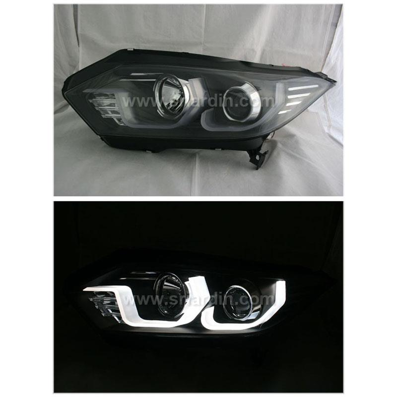 Honda HRV 15- Black Projector Headlamp w Bar