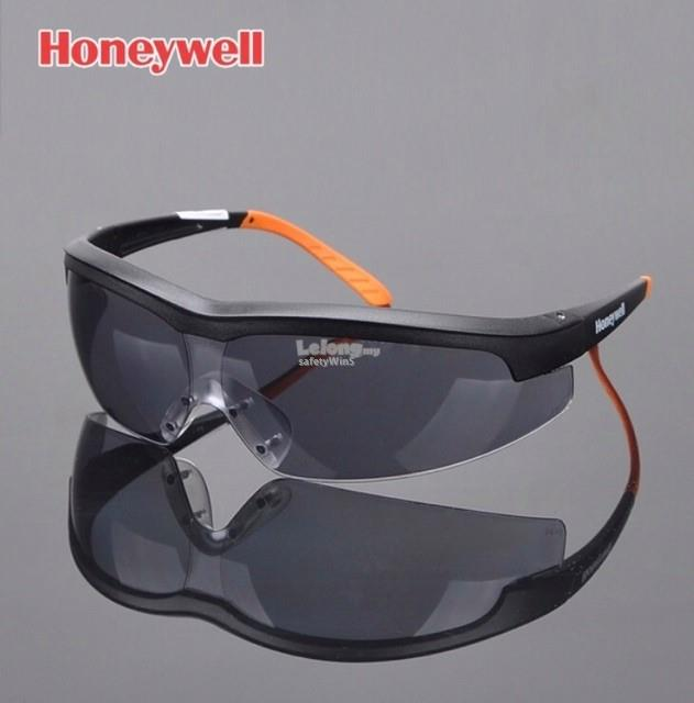 Honeywell S600A Safety Glasses, Black ,TSR Grey Lens, Fog-Ban,