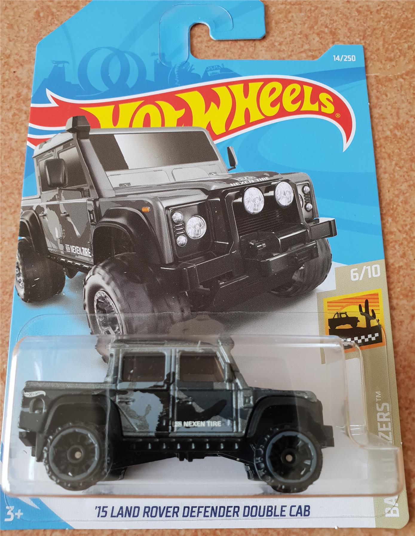 hot wheels 15 land rover defender do (end 12/9/2019 9:15 am)