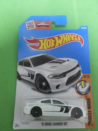 Hot Wheels Diecast   U002715 Dodge Charger SRT White Sport Car NEW. U2039 U203a