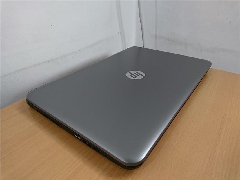 HP 15-R208TX i5-5200U 4GB Ram 500GB HD 2GB Nvidia GeForce 820M