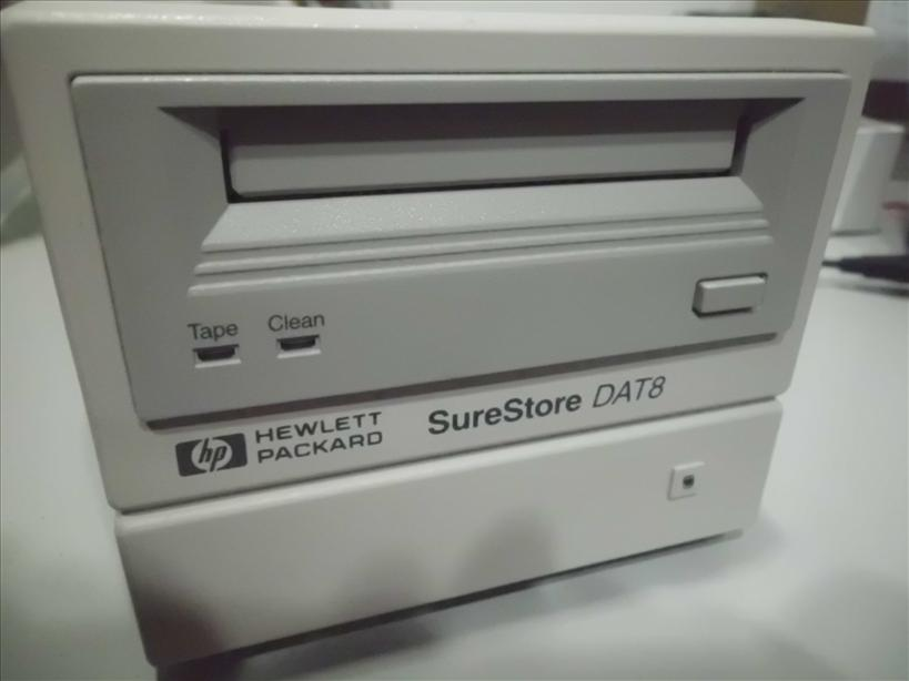 Hp Surestore Dat8 Drive Tape Drive Used