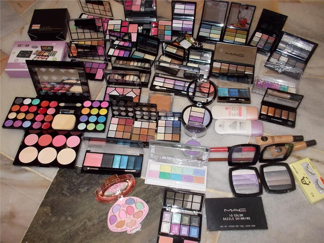 mac makeup kit for beginners. huge mac makeup kit many eyeshadow mac makeup kit for beginners