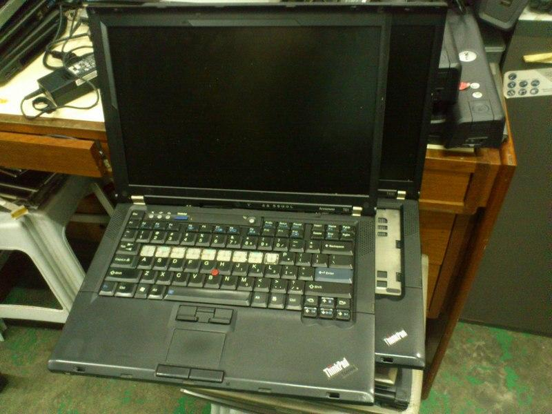 IBM LENOVO ThinkPad T61 T400 Notebook Spare Parts 101014
