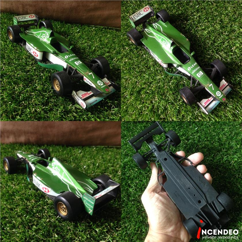 **incendeo** - Hot Wheels 1:24 Jaguar Eddie Irvine F1 Car (2000)