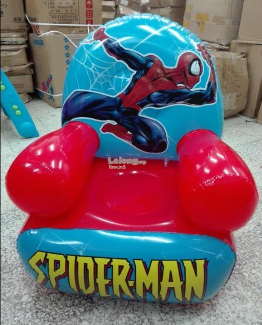 INFLATABLE - SPIDER-MAN CHAIR C/W FREE STEPON PUMP