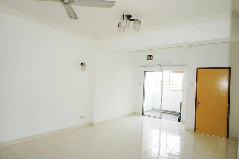 Intan Apartment for sale, Corner lot, Taman Puchong Intan, Puchong