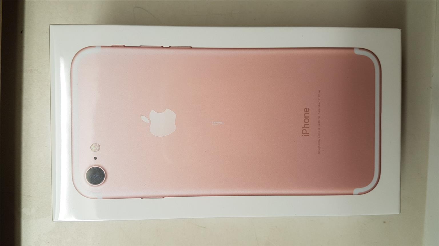 iphone 7 rose gold box. iphone 7 rose gold sealed in original box. box l