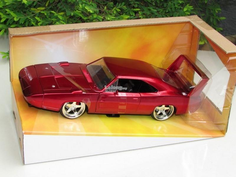 Jada 1/24 Diecast Movie Car Fast & Furious 1969 Dodge Charger Daytona