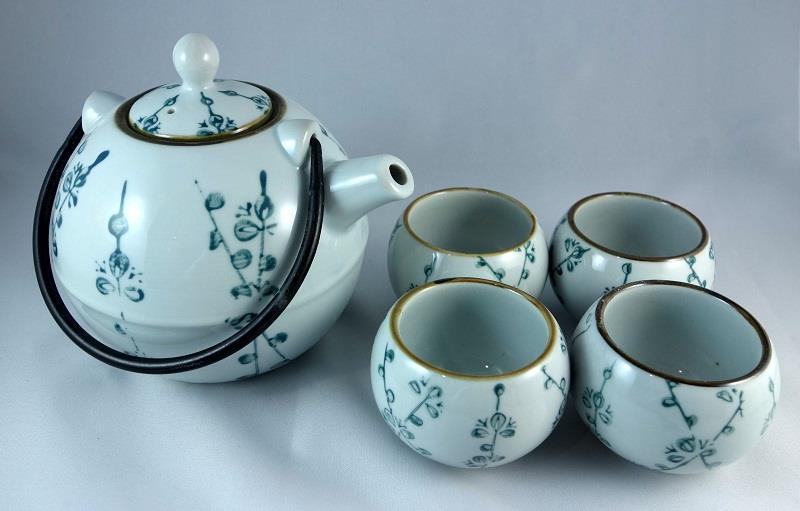 Japanese Teapot Gift Set (end 2/10/2015 11:15 AM)