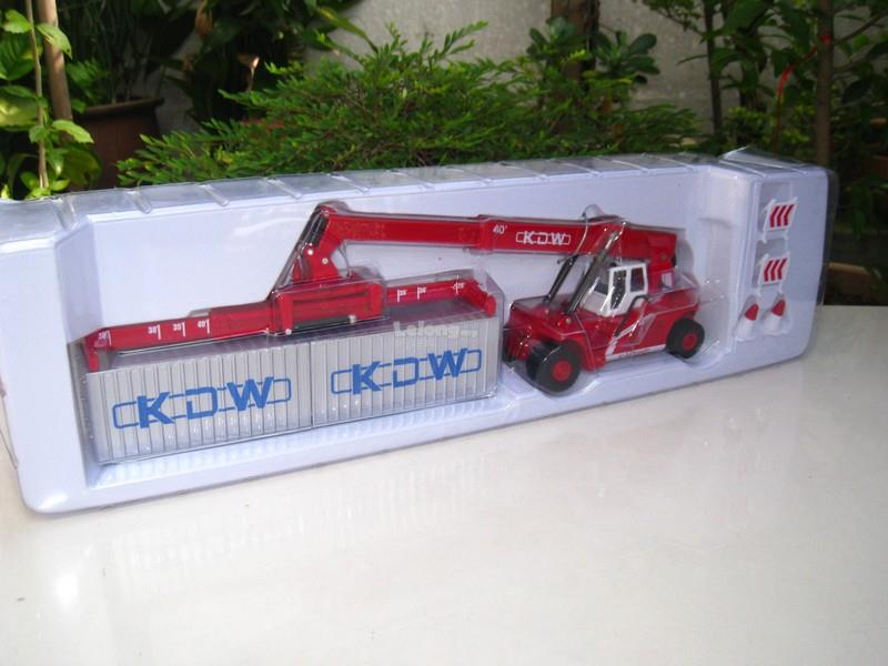 Kaidiwei 1/50 Reach Stacker Diecast (625036)