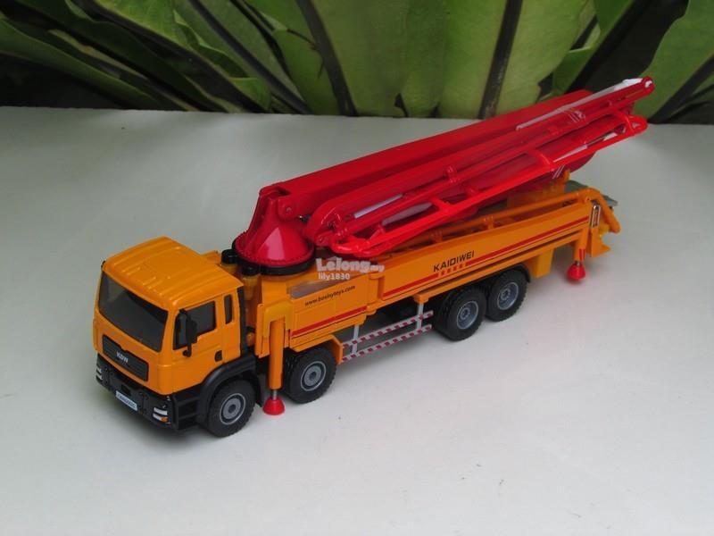 Kaidiwei 1/55 Concrete Pump Truck Construction Vehicle (625025-RO)