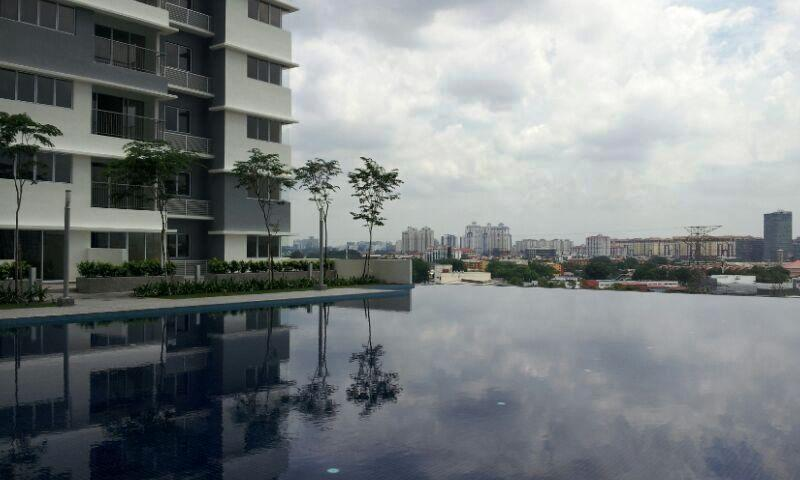 Koi Kinrara Condo for rent, Pool View, 2 Car Parks, Puchong
