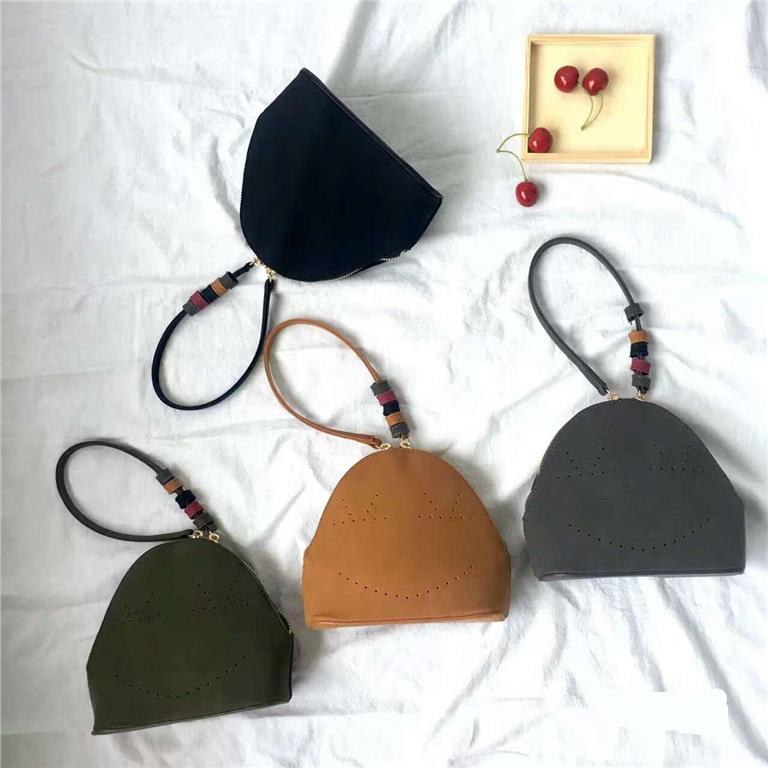 97ff25751b Korea Ladies Fashion Dinner Handbag Vintage Small Bag RYF3383. ‹ ›