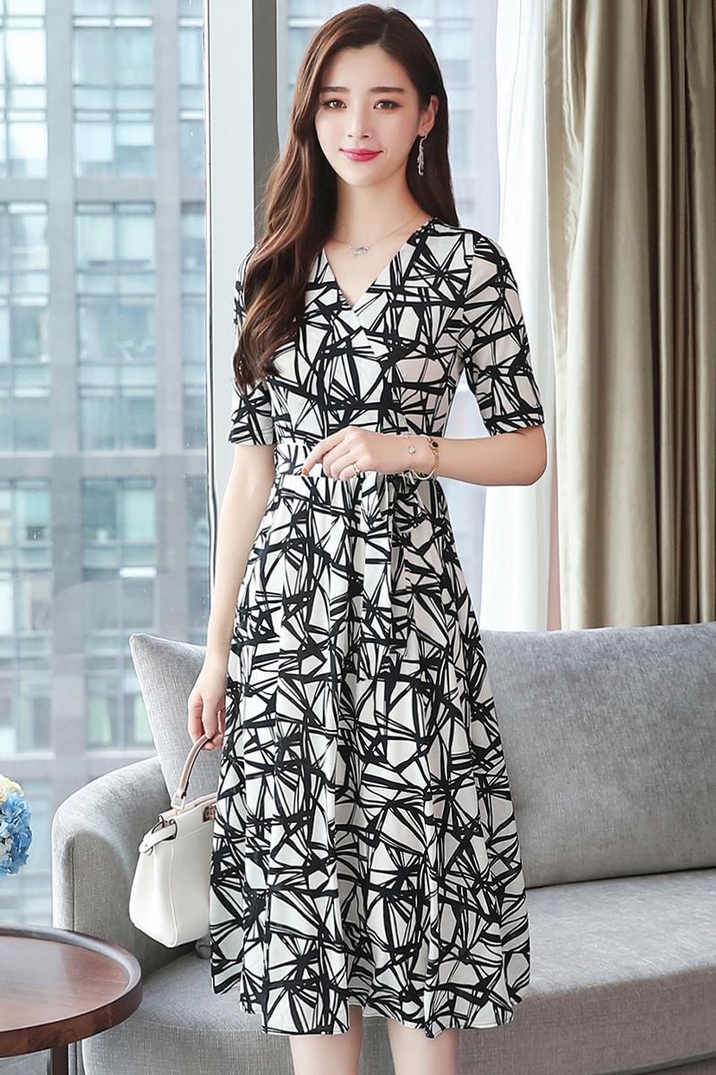 2738ace7eabf Korean Black And White Chiffon Heig End 1 21 2021 12 00 Am. Maxi Dress ...