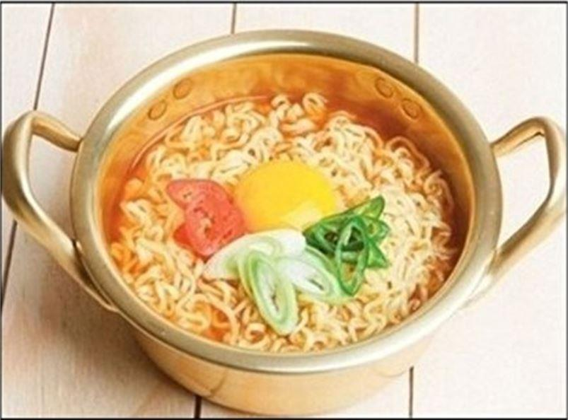 Korean Ramen Noodle Pot/Hot Shin Ram (end 4/17/2018 9:15 PM)