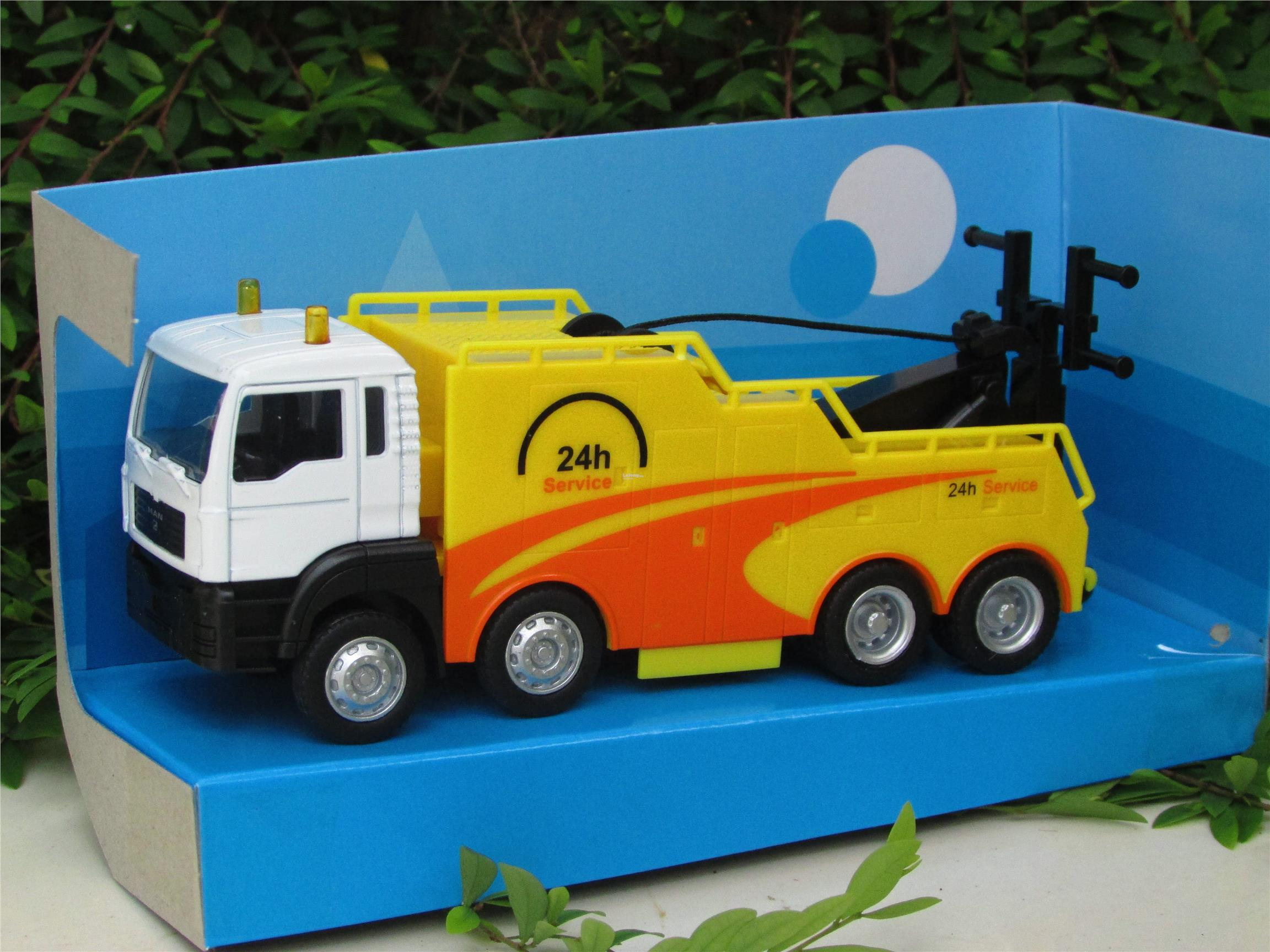LB Affluent Town 1/64 - Man TOWING LORRY 24 HOURS (WHITE)