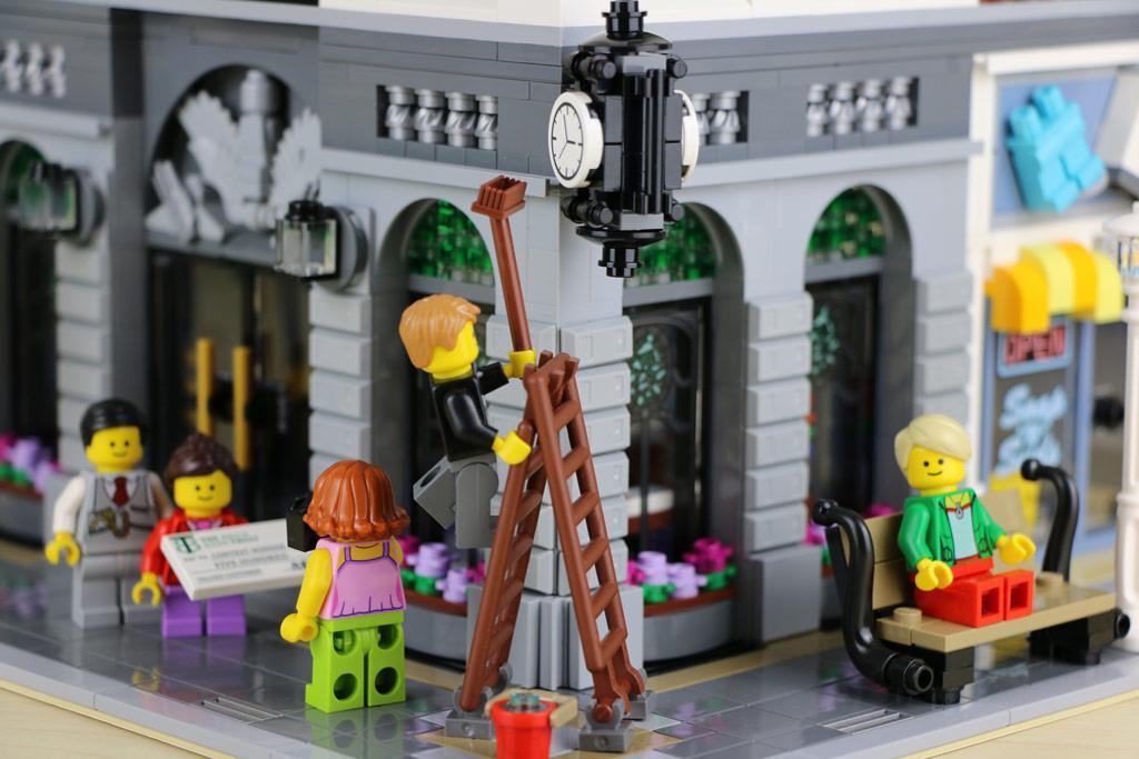 Lego 10251 Creator Expert Brick Bank End 4102020 415 Pm
