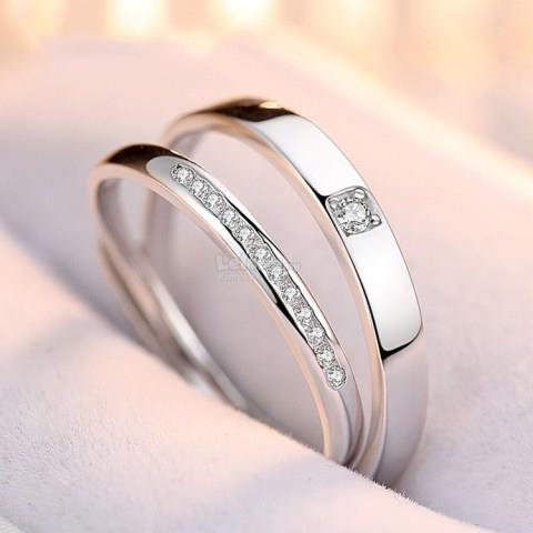 Lovely S925 Sterling Silver Rhinestone Engagement Couple Rings