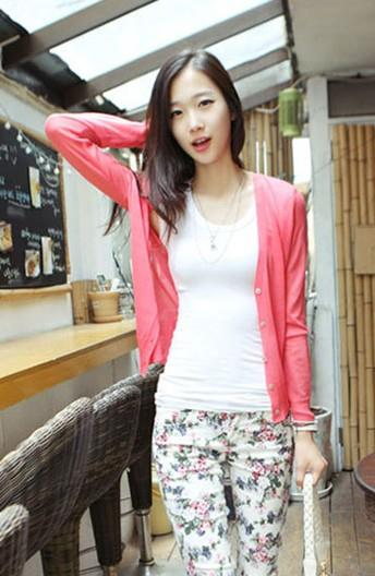 Lovely V Long-sleeve Thin Knit Jacket (Red Melon)