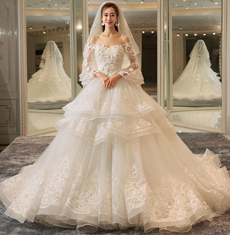 Luxury Designer Flowery White Wedding (end 2/2/2019 2:15 PM)