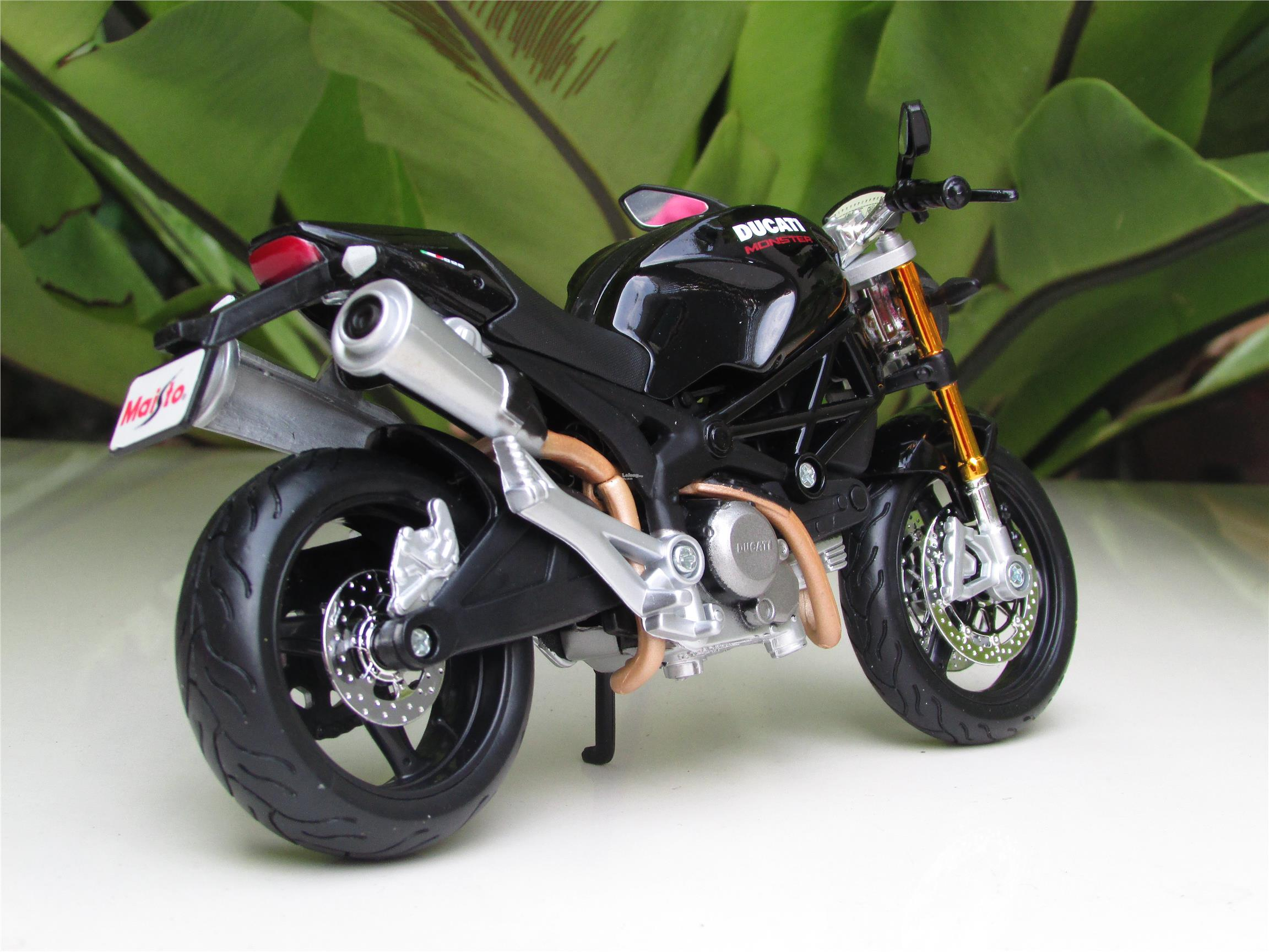 Maisto 1/12 Diecast Motorcycle DucatiMonster 696 BLACK
