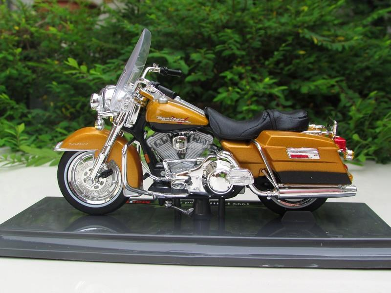Maisto 1/18 Diecast Harley Davidson 1999 Road King (Yellow)